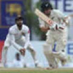 Cricket: BJ Watling's fightback gives Black Caps hope in thrilling test against Sri Lanka