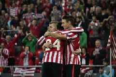 Athletic Bilbao's 38-year-old striker stuns Barcelona in La Liga title defence opener