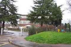 """Gloucestershire school suddenly closed for a week due to unknown """"issue"""""""