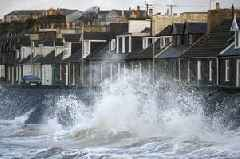 Met Office weather: Hurricane Humberto is heading to West Country after plunging Bermuda into darkness