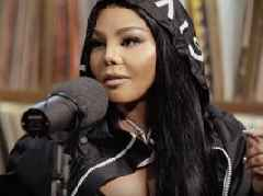 """Watch: Lil' Kim Talks Notorious B.I.G., Her Legacy, Working W/ City Girls + More – """"I Changed My Voice Up A Few Times"""""""