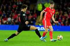 'Better than Rose!' - Tottenham supporters loved what Ben Davies did for Wales and Gareth Bale