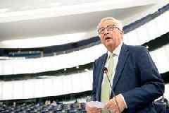 Brexit has made Britain's problems worse, says Juncker