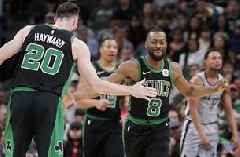 Celtics' Hayward breaks left hand against Spurs