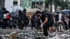 Hong Kong Protesters Extend Demonstrations Into The Work Week