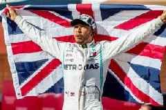 Lewis Hamilton wants Mercedes contract sorted as Ferrari look to sort 2021 team