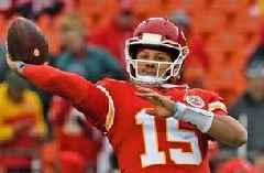 Nick Wright: 'The edge goes to Patrick Mahomes' vs Tom Brady and the Patriots Sunday
