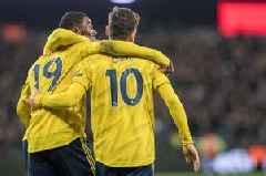 Mesut Ozil delivers verdict on Gabriel Martinelli and Nicolas Pepe after Arsenal's win