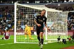 Manchester City fans taunt Man United after Aston Villa thrashing