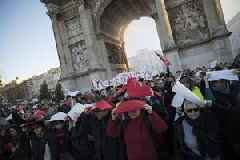 French road strike drags despite government compromise