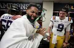 Nick Wright reacts to Odell Beckham Jr handing out cash to LSU players after National Championship