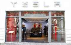 Tesla is on a tear, with no end in sight. That means the naysayers' case is in ruins. (TSLA)