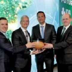 Tim Cook Receives Award From Irish Prime Minister (Taoiseach) Leo Varadkar Celebrating Apple's 40-year Contribution to Ireland