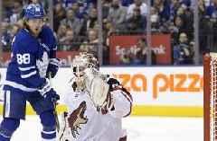 Kapanen scores in OT, Maple Leafs beat Coyotes 3-2