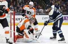 Hayes' OT goal powers Flyers past Blue Jackets 4-3