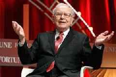 Warren Buffett finally gave up his flip phone and got an iPhone (APPL)