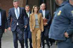 Lori Loughlin Gets October Trial Date for College Admissions Bribery Case