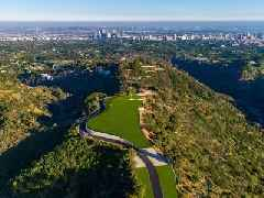 Jeff Bezos' deal to buy Paul Allen's former Beverly Hills property has reportedly fallen through. Take a look at the late Microsoft cofounder's $110 million 'Enchanted Hill.' (AMZN)