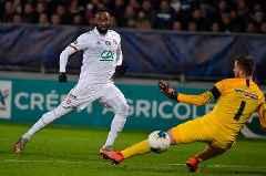 Chelsea tipped to make £60m move to sign Lyon striker Moussa Dembélé