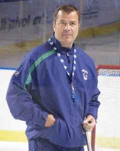 Alain Vigneault: Canadian ice hockey player and coach