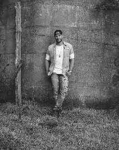 Chase Rice: American singer-songwriter and football player