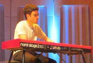 Elliot Galvin: British jazz pianist and composer based in London