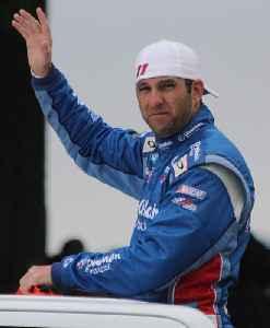 Elliott Sadler: American stock car racing driver
