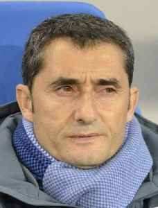 Ernesto Valverde: Spanish association football player and manager