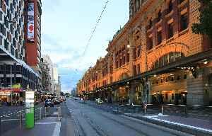 Flinders Street, Melbourne: Street in Melbourne