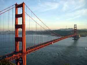 Golden Gate Bridge: Suspension bridge on the San Francisco Bay