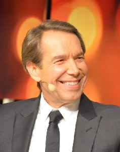 Jeff Koons: American sculptor and painter