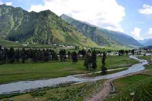 Kishtwar: A town and district headquarters in Jammu and Kashmir