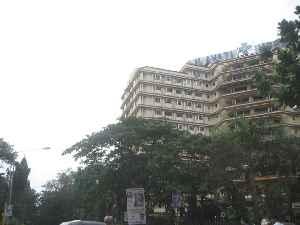 Lilavati Hospital and Research Centre: Hospital in Maharashtra, India