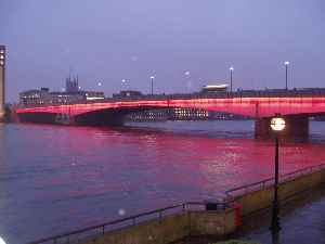 London Bridge: Road bridge across River Thames in London, opened in 1973