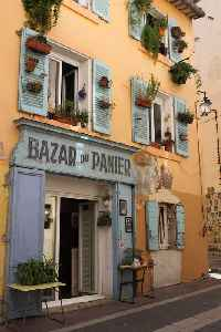Marseille: Second-largest city of France and prefecture of Provence-Alpes-Côte d'Azur