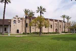 Mission San Gabriel Arcángel: Roman Catholic mission and a historic landmark in San Gabriel, California