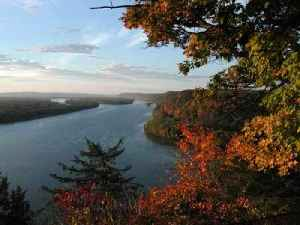 Mississippi River: Largest river system in North America