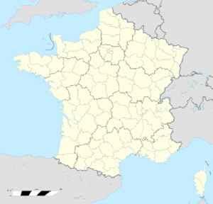 Nîmes: Prefecture and commune in Occitanie, France