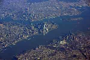 New York Harbor: Harbor in the New York City, U.S.A. metropolitan area