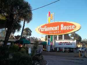 Parliament House (hotel):