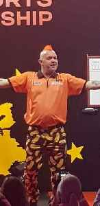 Peter Wright (darts player): Scottish darts player