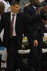 Porter Moser: American basketball player-coach