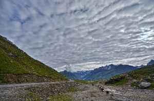 Rohtang Pass: Mountain pass