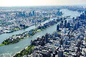 Roosevelt Island: Neighborhood and island in the East River in New York City