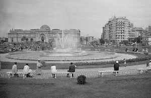 Tahrir Square: Public town square in Downtown Cairo, Egypt