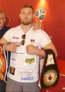 Tom Schwarz: German boxer