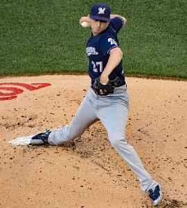 Zach Davies: American baseball player