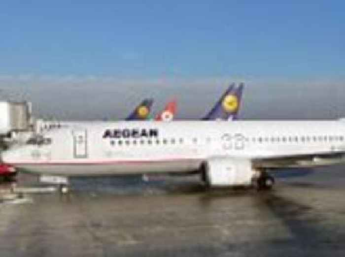 Two Palestinians Are Removed From Aegean Airlines Flight