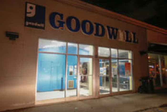 Goodwill Workers Will Get Their Pay Ceo One News Page