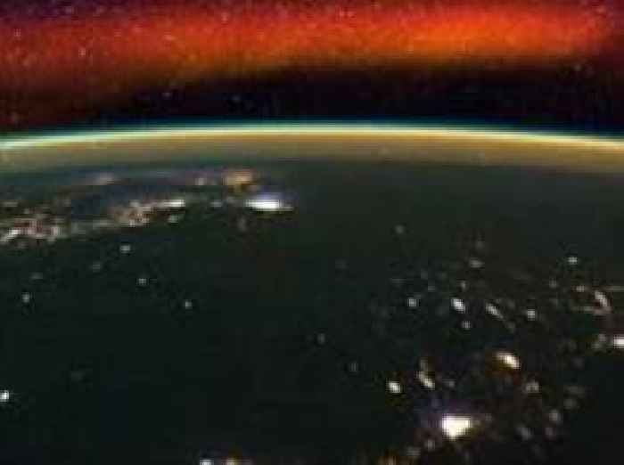 Stunning Nasa timelapse shows the ISS soaring over Earth's ...